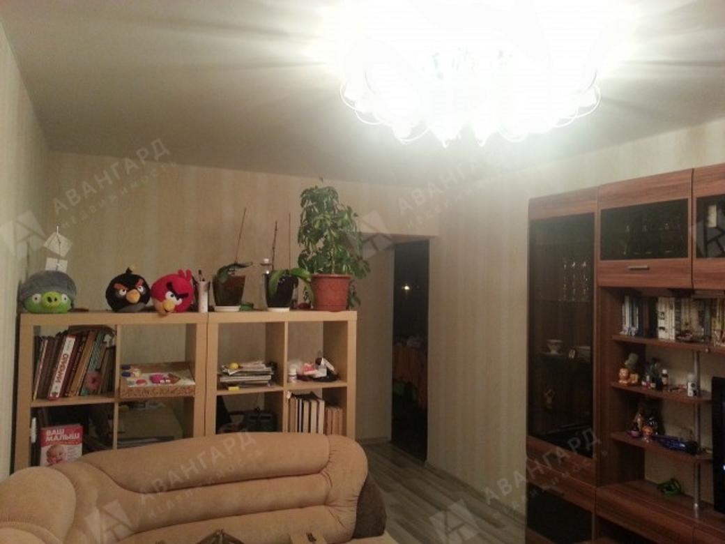 2-комнатная квартира, Дыбенко ул, 38 - фото 1
